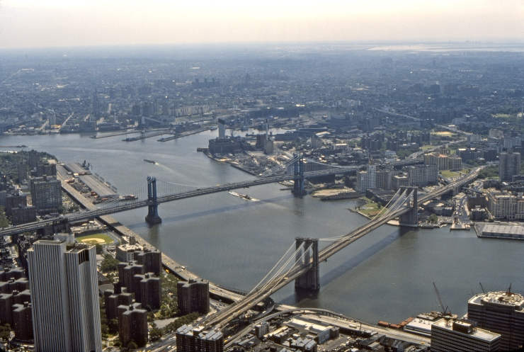Brooklyn_and_Manhatten_Bridges_and_East_River