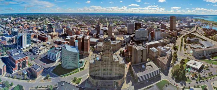 Aerial_photo_of_Buffalo,_NY_Skyline.jpg